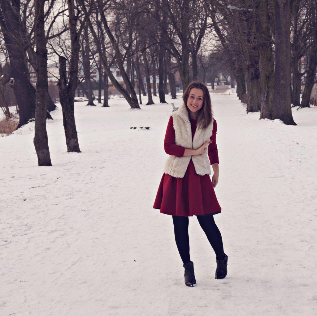czerwona sukienka na każdą okazję