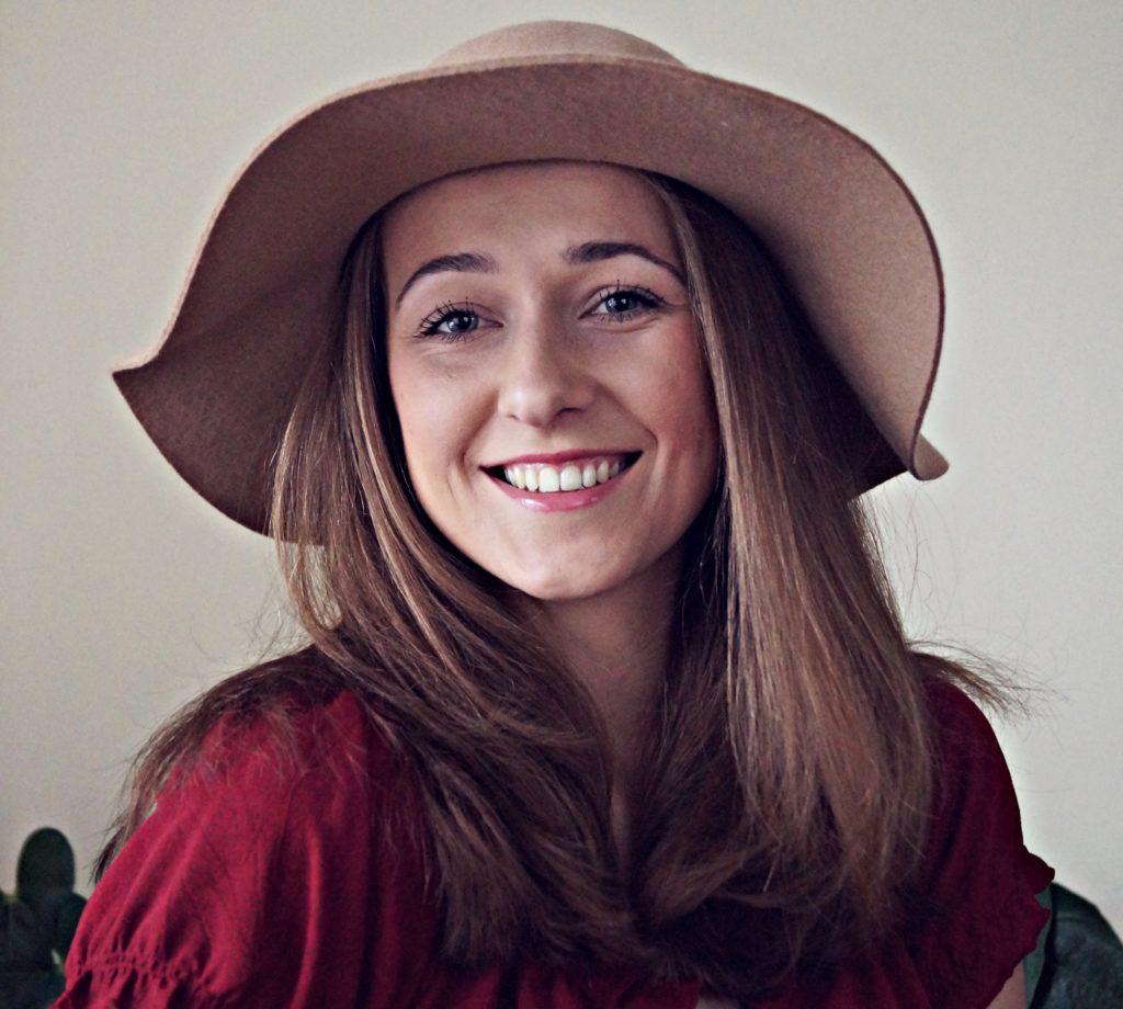 brązowy kapelusz