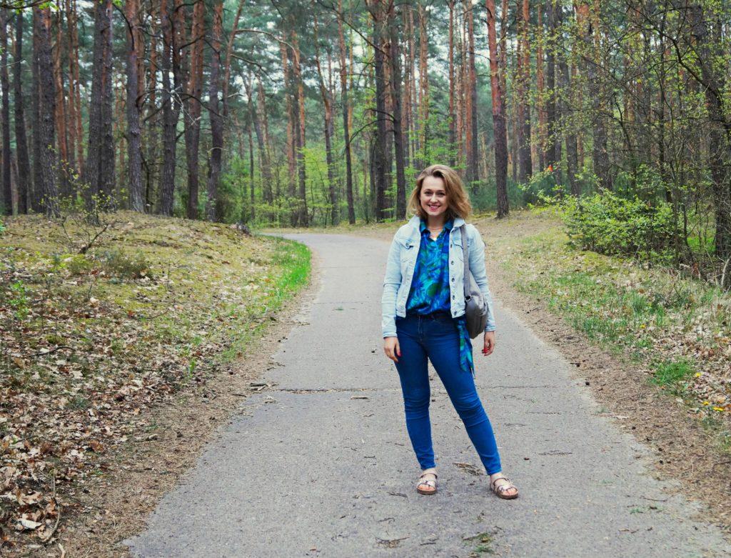 jeans stylizacja do parku codzienny zestaw